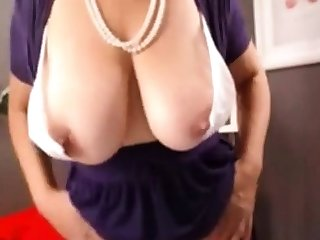 Hot Mature With Obese Natural Boobs