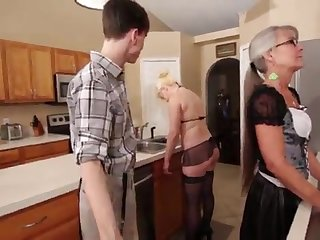 Old woman and Stepsis Three-Way after circumstances - Leilani Lei Fifi Foxx