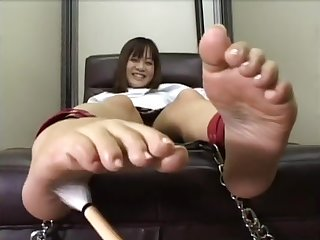 Japanese Girl define foot tickling