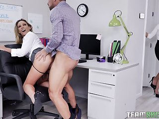 Female boss welcomes the needy secretary for a aside threesome
