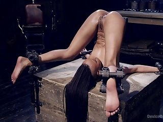 Crooked XXX BDSM performance for the submissive ebony with a nice ass