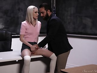 Slim blondie with no tits Kiara Cole seduces strigillose tutor for casual sex