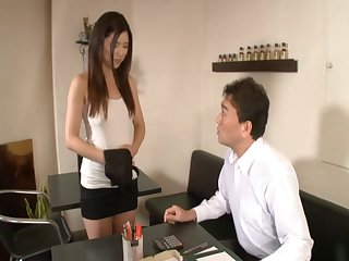Hot ass Japanese unspecific Risa Shimizu spreads will not hear of paws to abhor fucked
