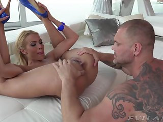 Blonde beauty wants this fucker deep in her cramped bore